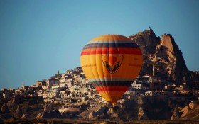 Fly hot air balloon in the Goreme valley